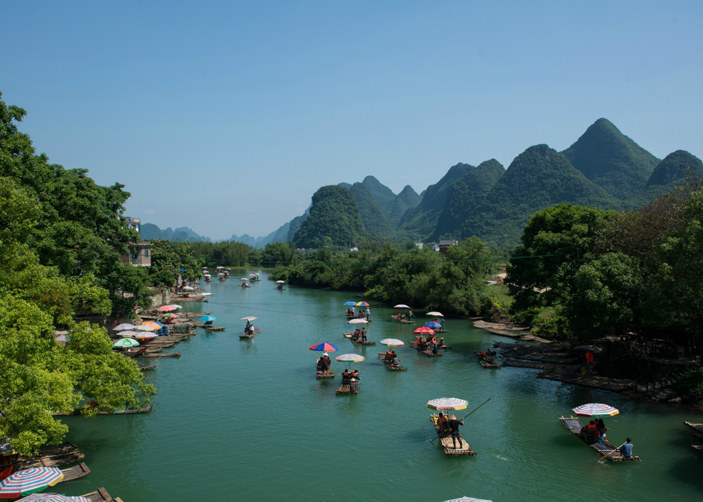 Cycling along Yulong River