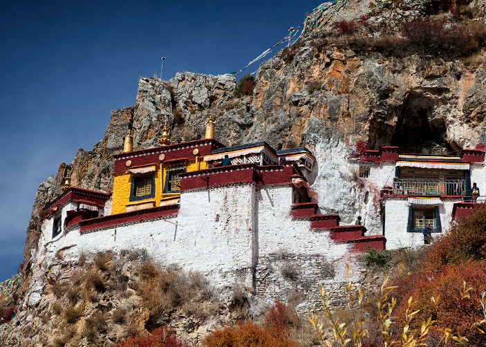 5 Days Lhasa Tour with Ganden Monastery & Drak Yerpa